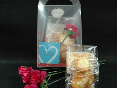 ホワイトデーのプレゼントに!もらってうれしいお菓子とお花の贈り物